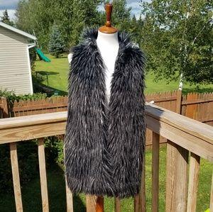 Adrianna Papell Black Faux Fur Vest